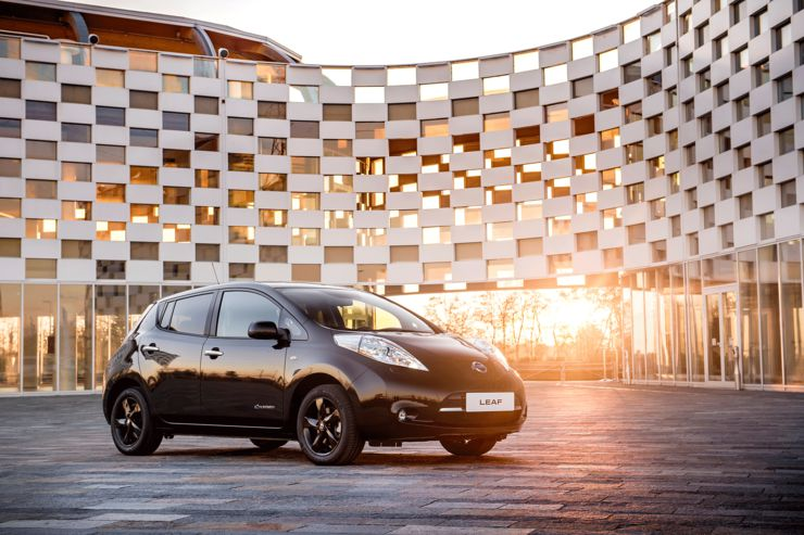 nissan-leaf-black-edition-2016-3