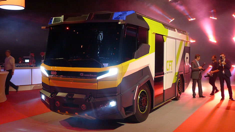 На презентации пожарного автомолиля Rosenbaurer