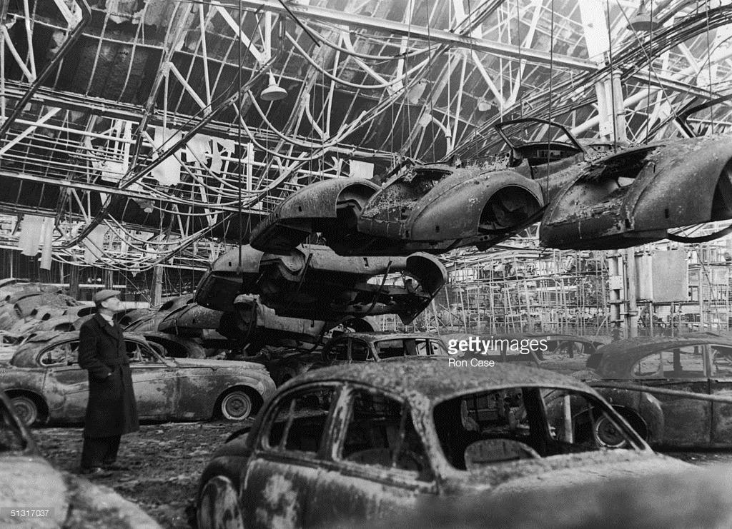 jaguar-factory-1960