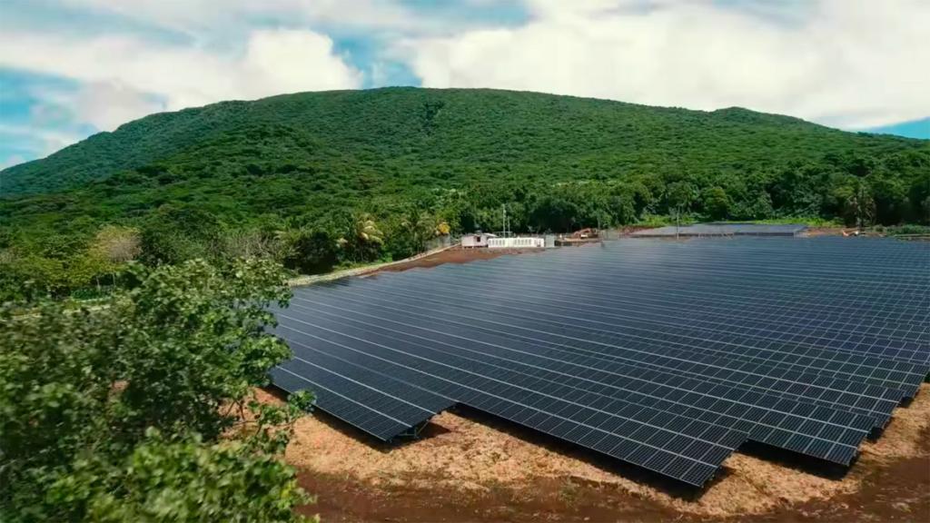 Tesla обеспечила электричеством целый остров