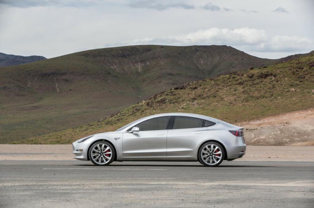 Tesla Model 3 2017 – новые подробности недорогого электромобиля Тесла
