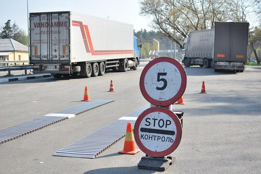 В Украине введут мобильный весогабаритный контроль на дорогах