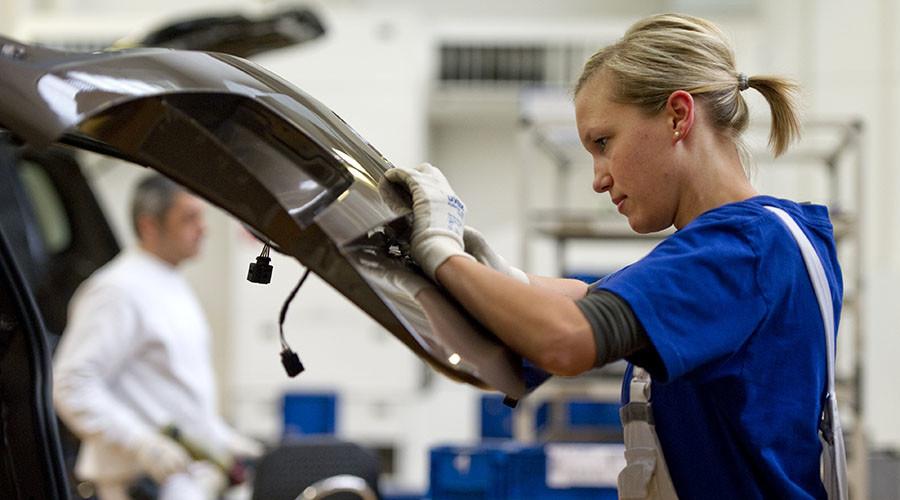 Фольксваген планирует уменьшить 10 000 рабочих мест ради выпуска электромобилей