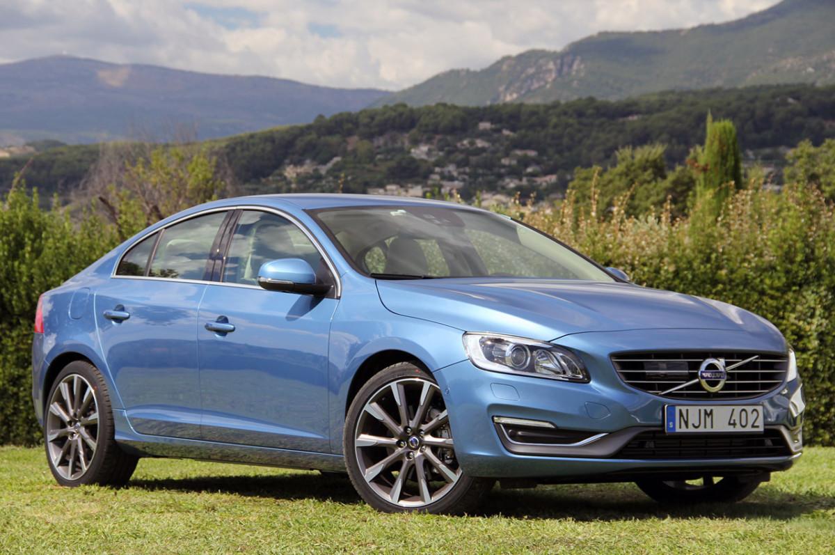 Седан Volvo S60 нынешнего поколения