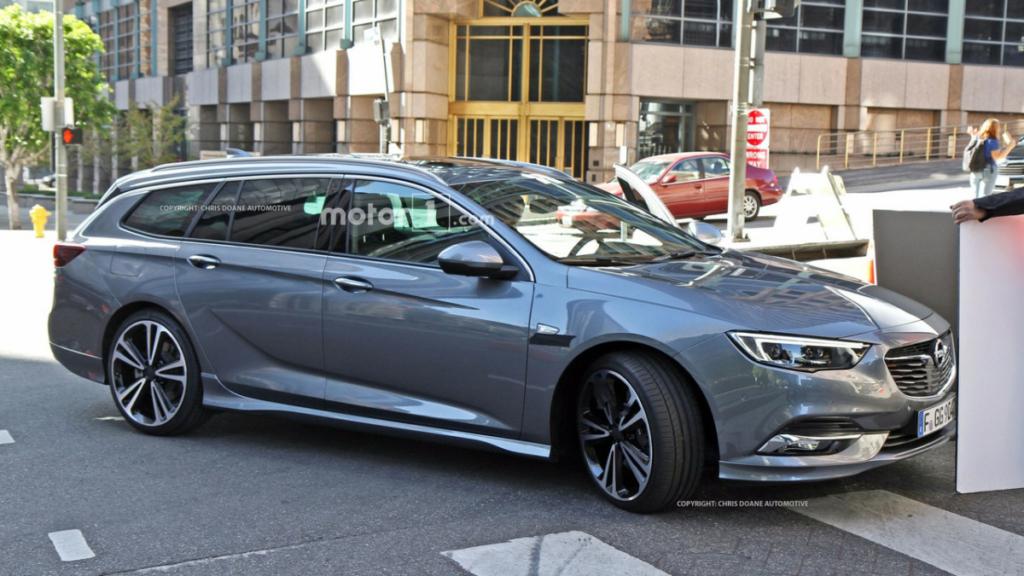 Opel Insignia 2017 – первые фото и подробности