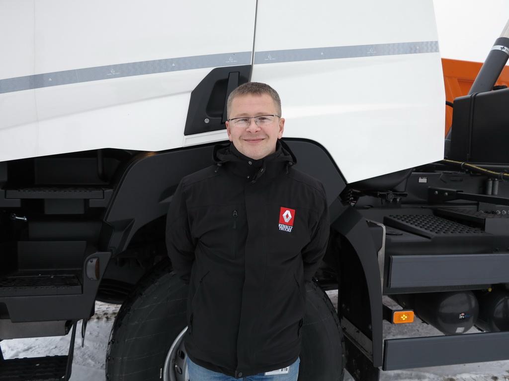 Михаил Лапшин Представитель по продажам грузовиков Renault Trucks