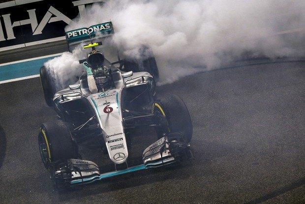 Чемпион Формулы 1 2016 Нико Росберг завершил карьеру