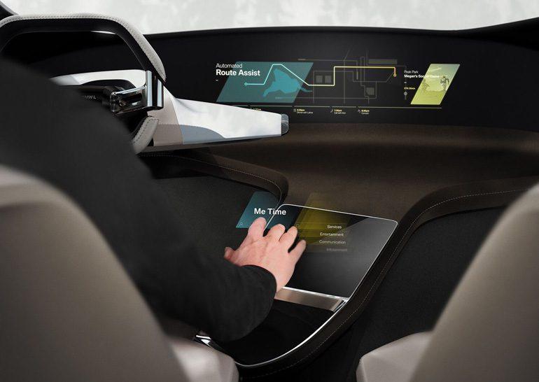 Новые BMW получат голографические дисплеи