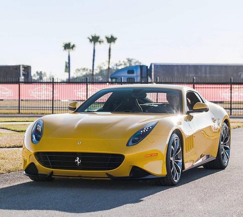 Экслюзивное купе Ferrari SP275 RW Competizione – первые фото