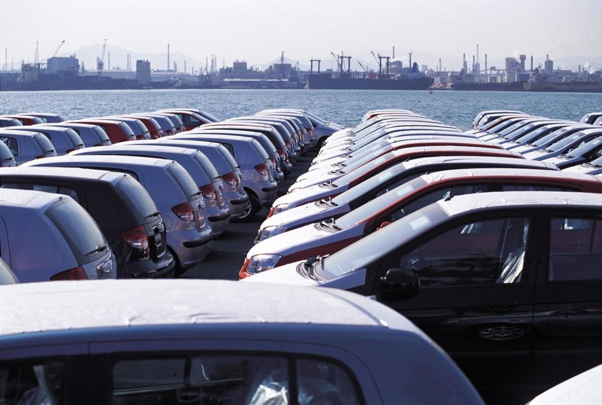 ВУкраинском государстве поднимут пошлины на завезенные издругих стран авто