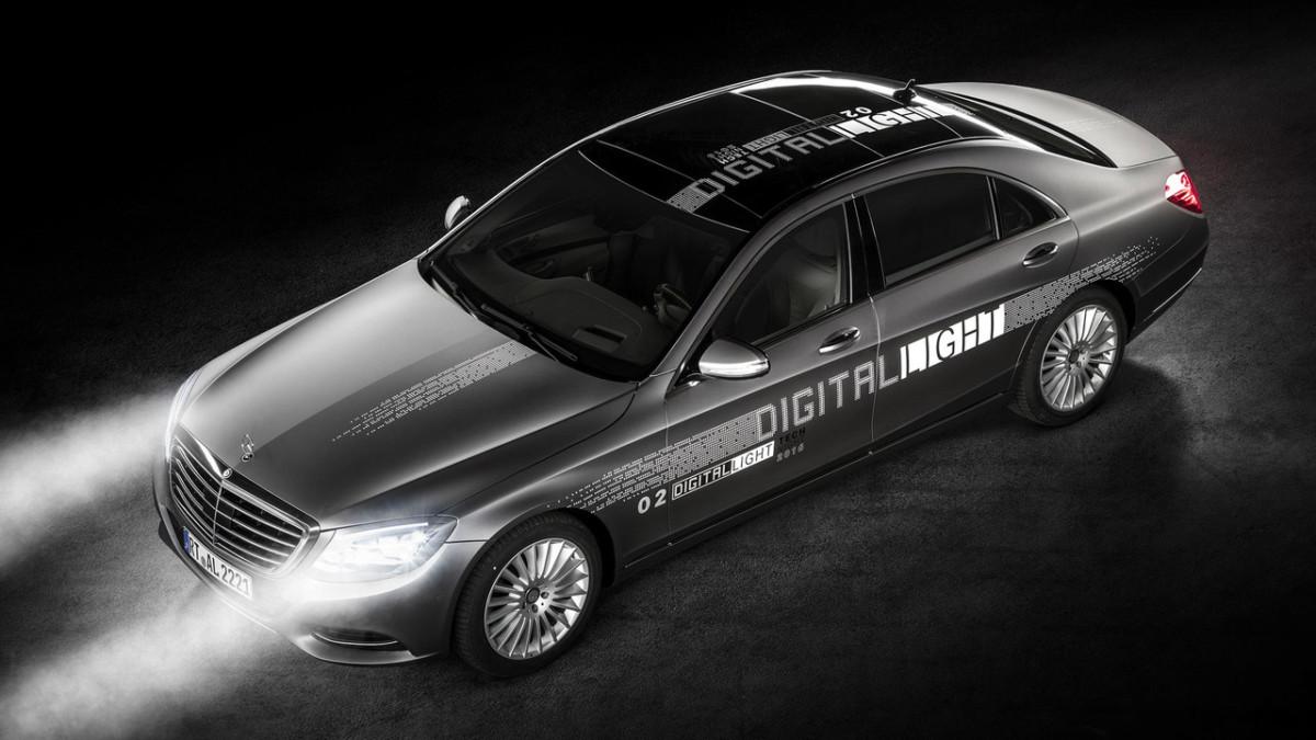 Mercedes-Benz представил проекционные светодиодные фары