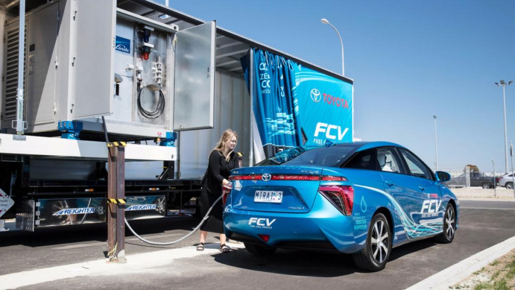 Toyota создала мобильную водородную заправку
