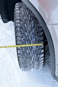 узкие и широкие зимние шины