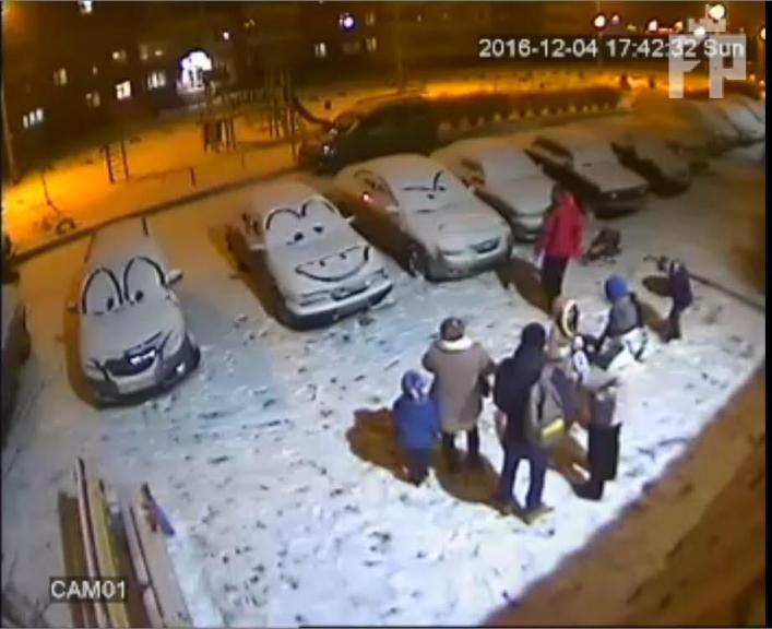 zasnezhennye-avtomobili-multyashnye-geroi-tachki