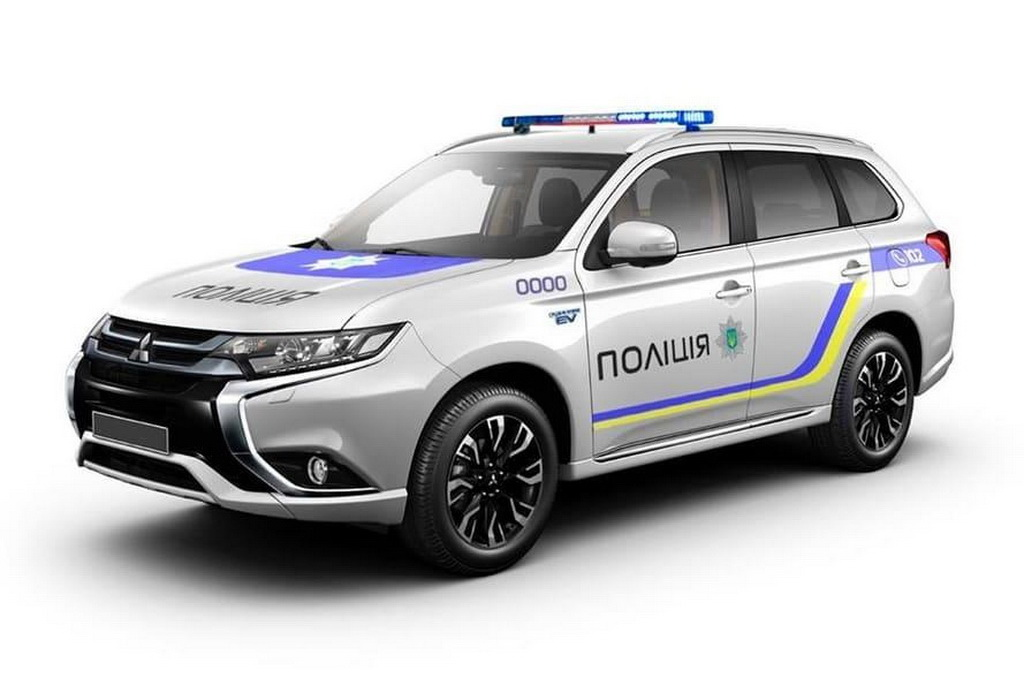 Гибридные кроссоверы Mitsubishi для полиции уже прибыли в Украину