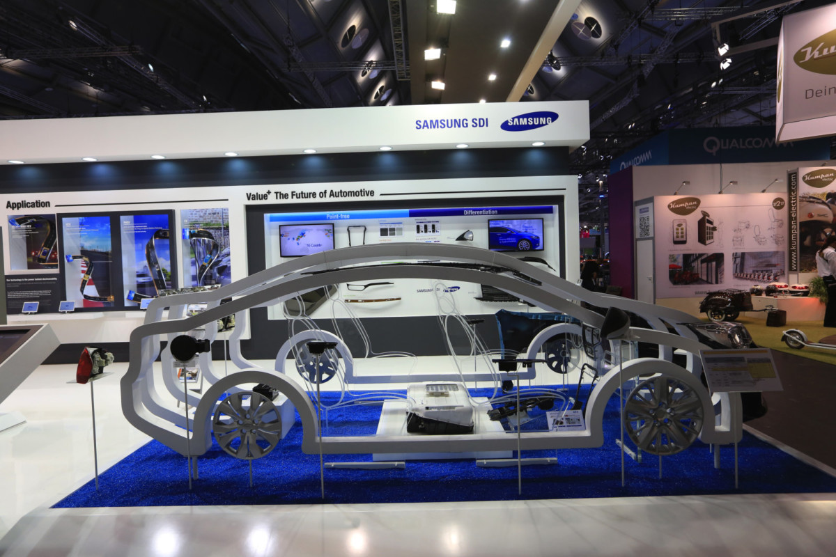 Аккумулятор для электромобилей от Самсунг : 20 мин.  зарядки и500км хода