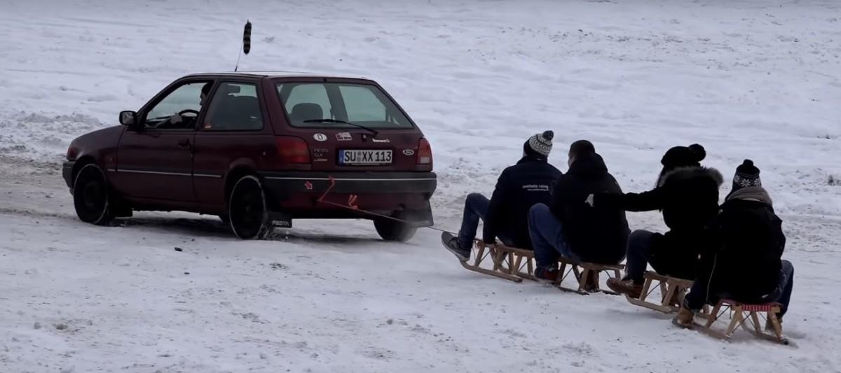 Зимние забавы на Нюрбургринге – дрифт, сани и барбекю