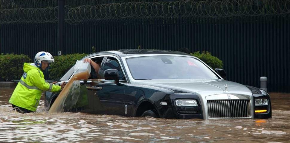 Автомобили-утопленники наводнили Украину