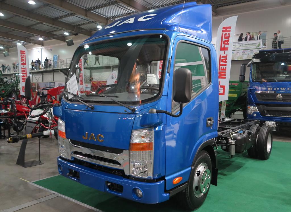 Новый грузовик JAC N56