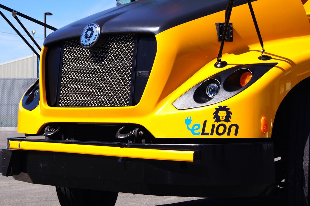 Школьный автобус eLion