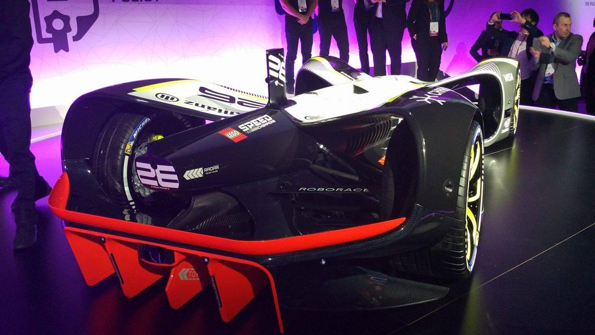 Roborace представила гоночный беспилотный электромобиль