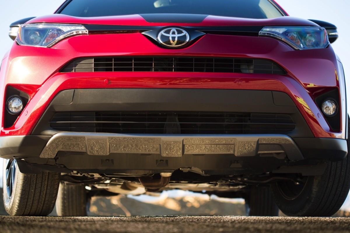 Кроссовер Toyota RAV4 получил внедорожную версию