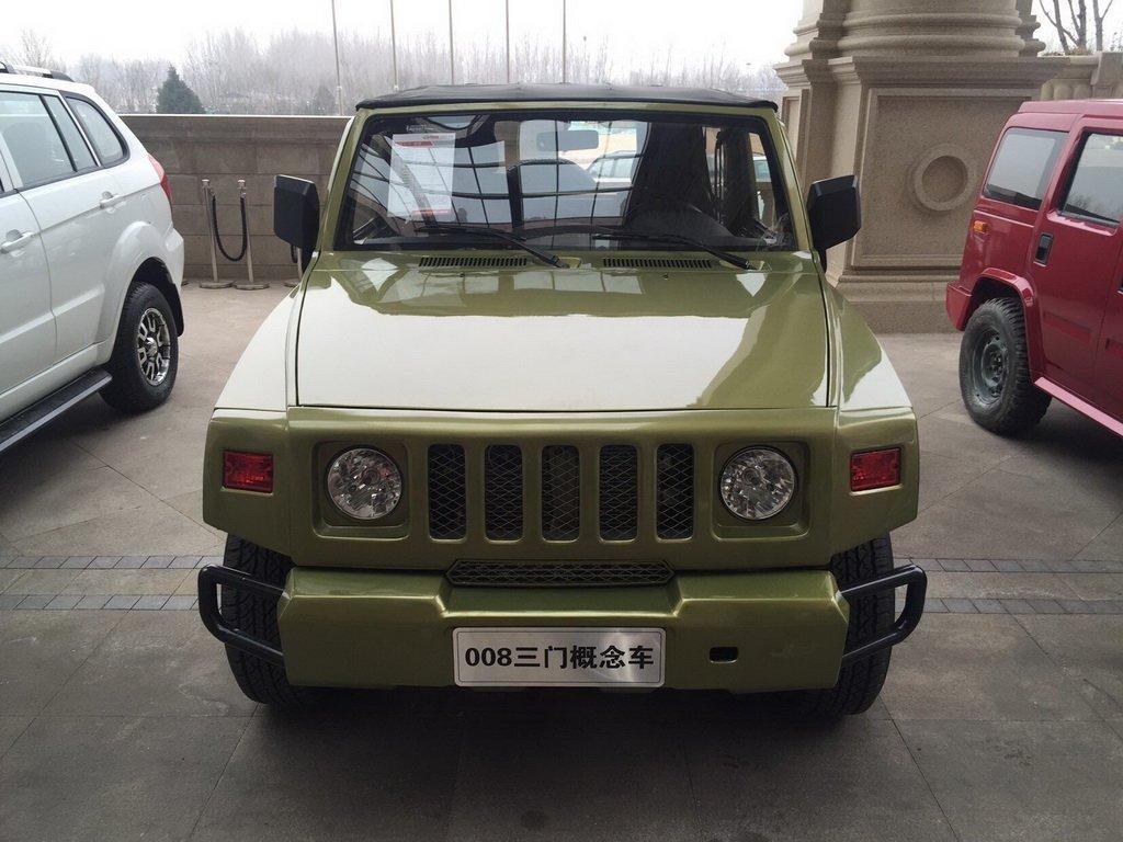 Уменьшенный китайский клон Hummer