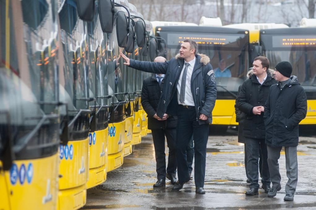 Виталий Кличко осмотрел новые автобусы МАЗ Евро 5