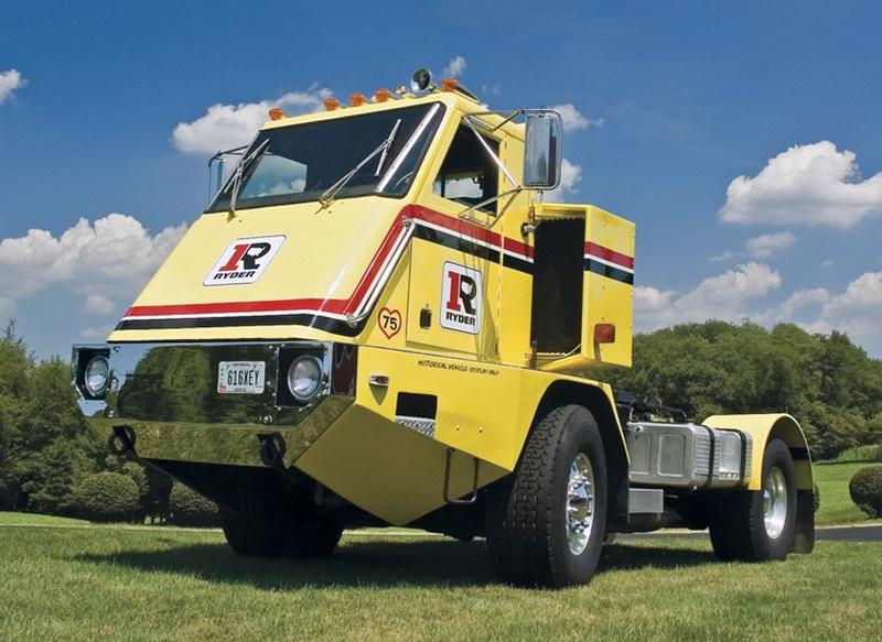 Первый экземпляр был построен в 1971 году