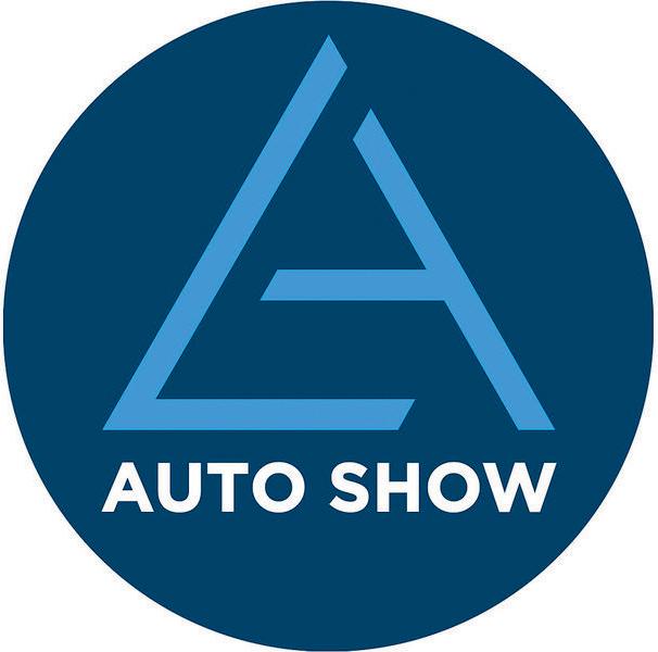 Мазда презентует два кроссовера игородской хэтчбек на автомобильном салоне вЖеневе