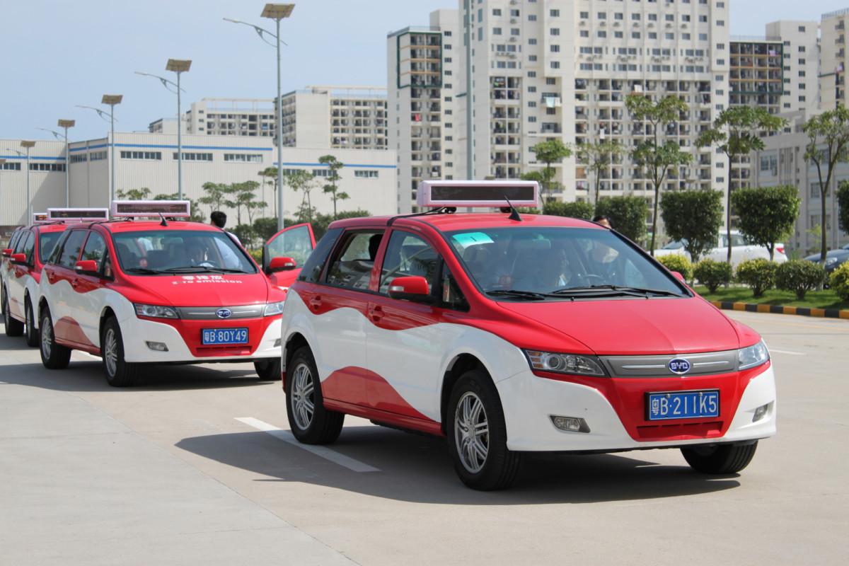В Пекине все такси станут электромобилями