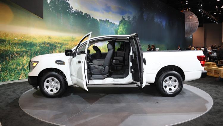 Nissan Titan c новым вариантом кабины King Cab