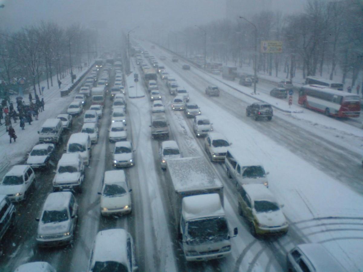 Непогода в Украине. Пробки в Киеве достигли 10 баллов