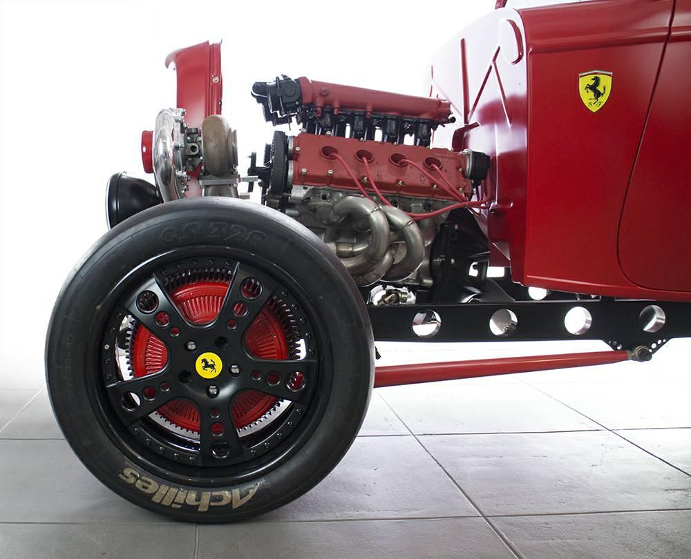 В США продается хот-род Ford с двигателем Ferrari