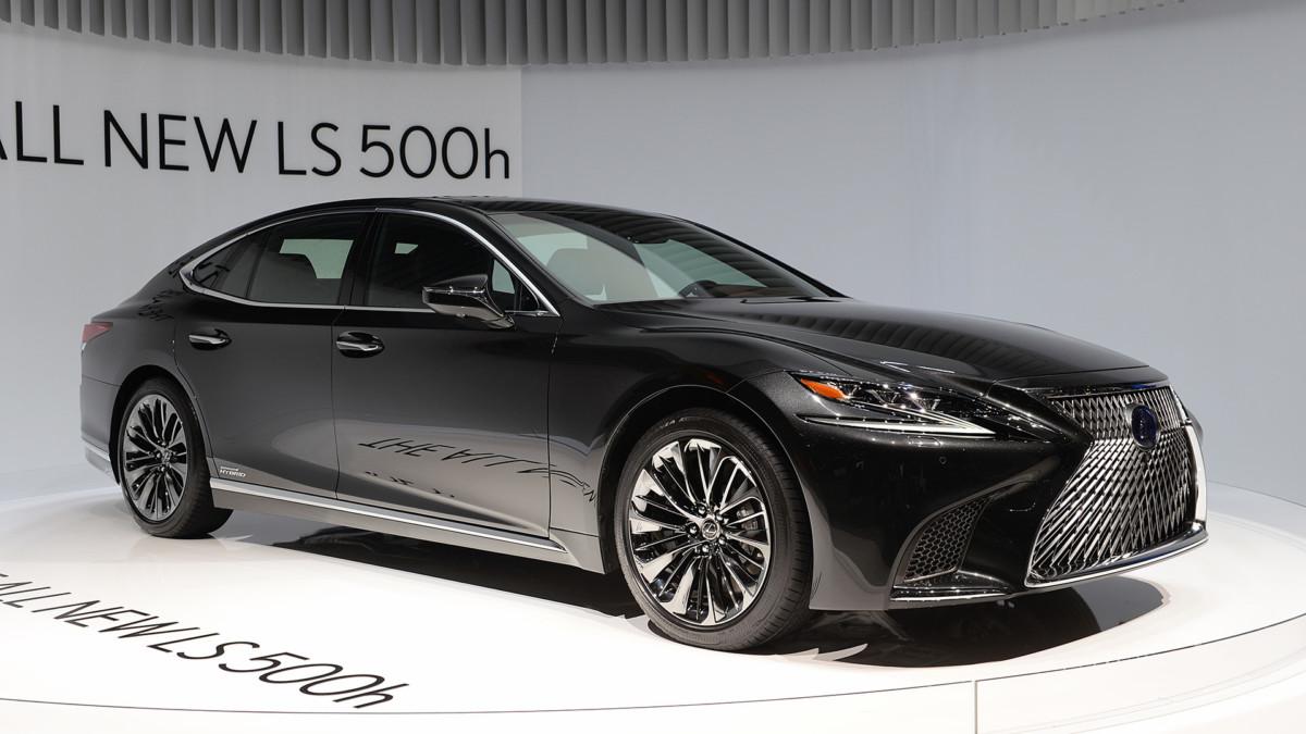 Lexus LS500h 2018 – первые живые фото гибридного флагмана Лексус