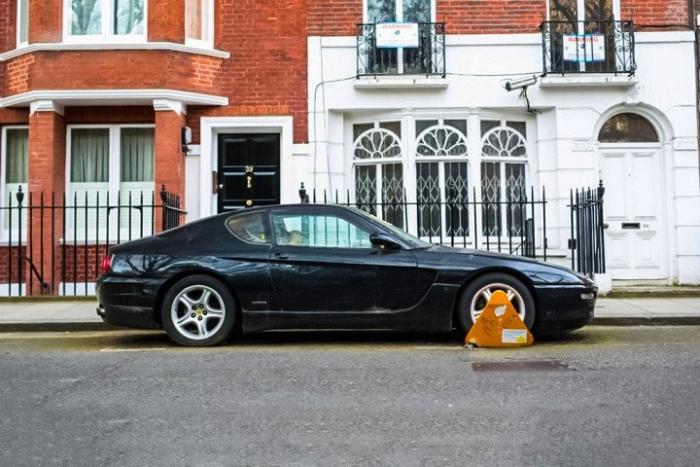 В Лондоне обнаружено заброшенное купе Ferrari