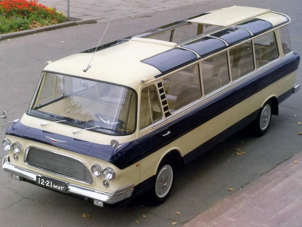Необычайный автобус ЗИЛ изКрыма реализуют за16 млн грн