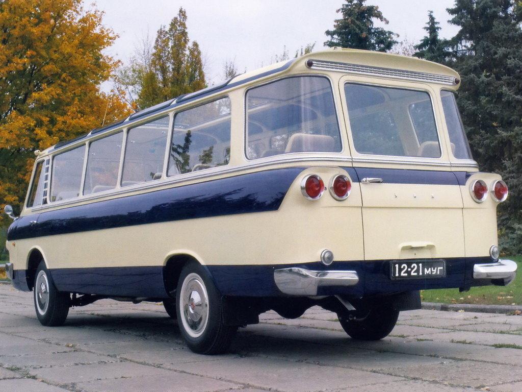 В столице России зараритетный автобус ЗИЛ просят 35 млн руб.