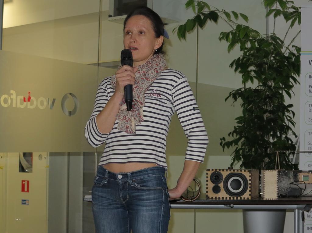 Наталия Рубан Начальник отдела по связям с общественностью компании Vodafone Украина