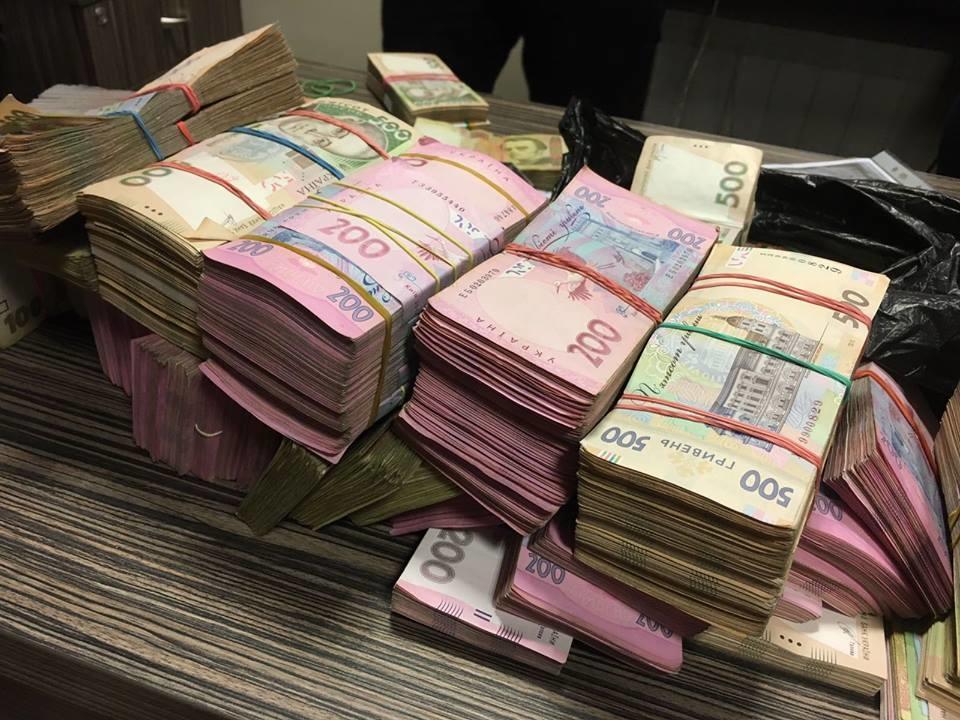 В Киевавтодоре выявлены хищения на сотни миллионов гривен