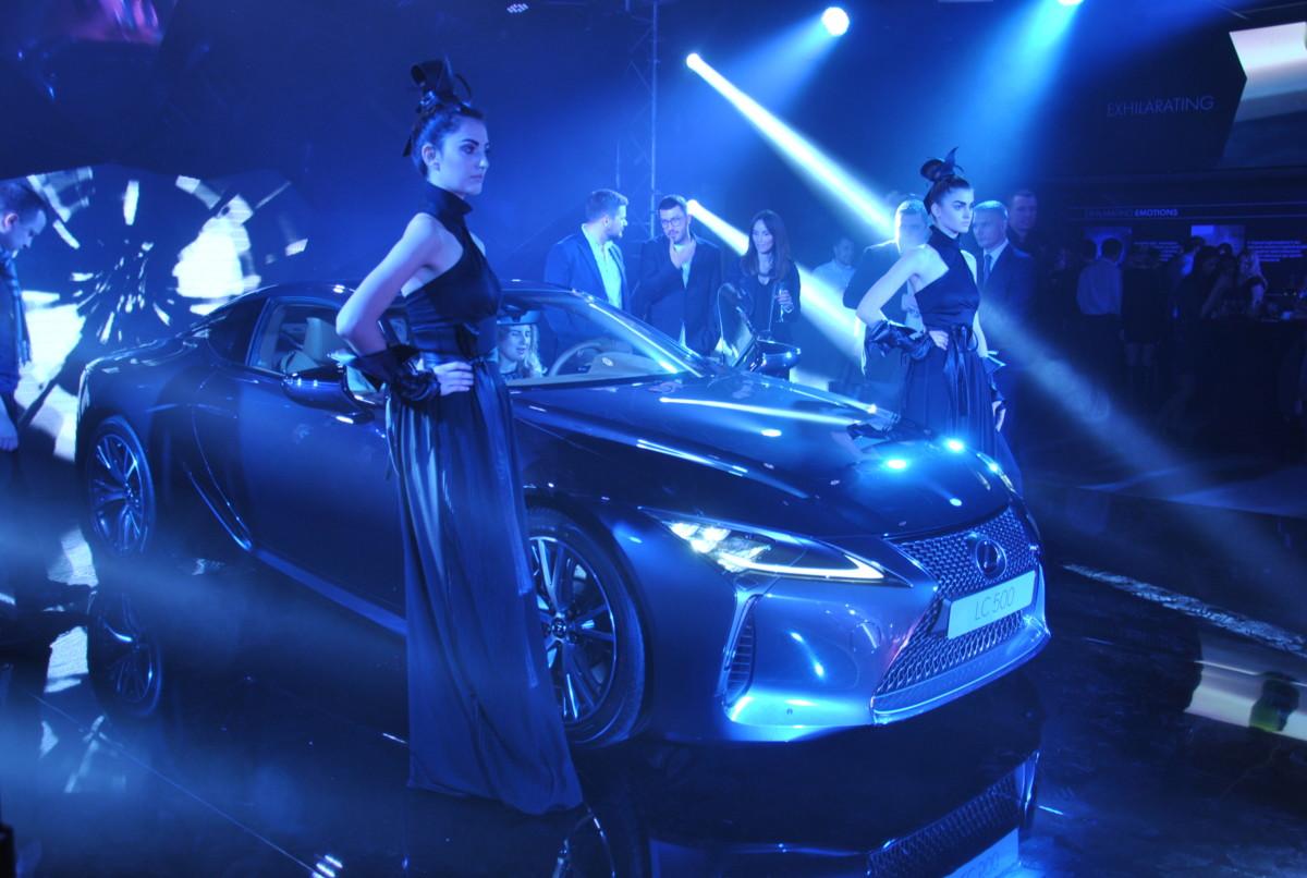 В Украине презентовано новое купе Lexus LC