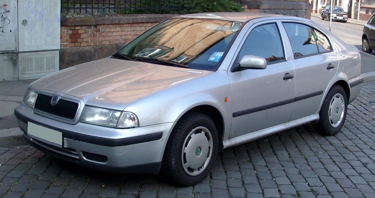 Шкода Октавия конца 90-х – начала 2000-х годов в Германии стоит 800-1000  евро. Причем за эту сумму можно найти универсал или дизельное авто. 12bb9178f12