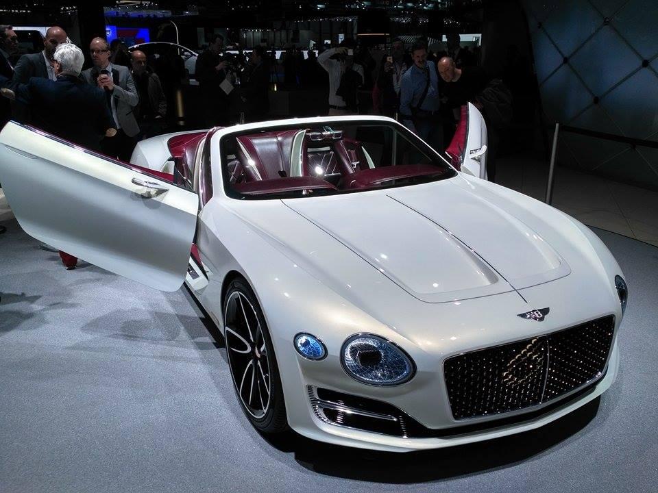 Bentley готовит два гибрида и электромобиль