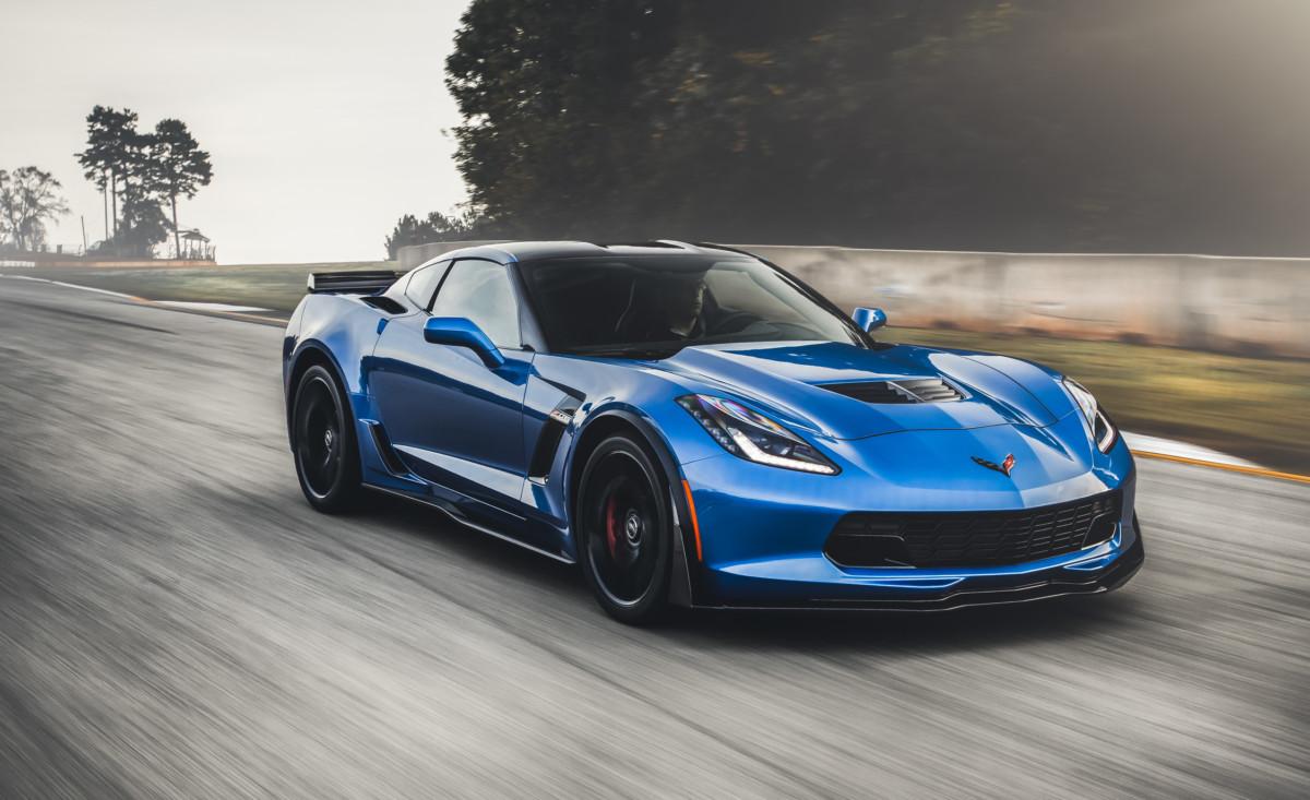 Дженерал моторс собирается выпустить под брендом Corvette конкурента Порш Cayenne