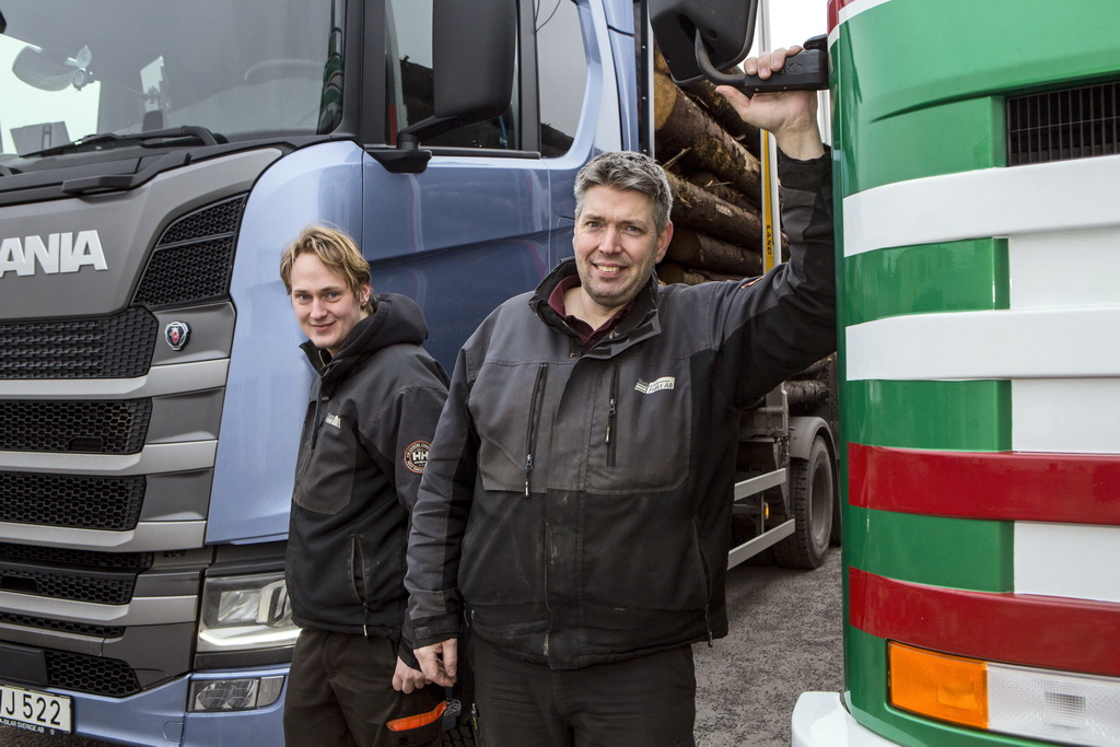 Тест-драйв отца и сына: Йохан и Лукас Реммерт за рулем грузовиков Scania 1992 и 2016 гг. выпуска