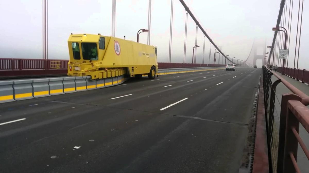 В Киеве на мосту Патона появится гибкий отбойник