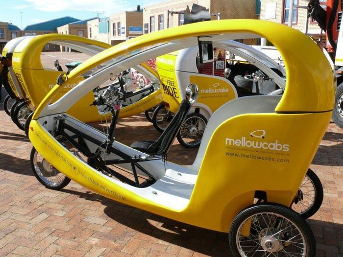 Бесплатное такси-рикша в ЮАР (вместо оплаты проезда – обязательный просмотр рекламы)