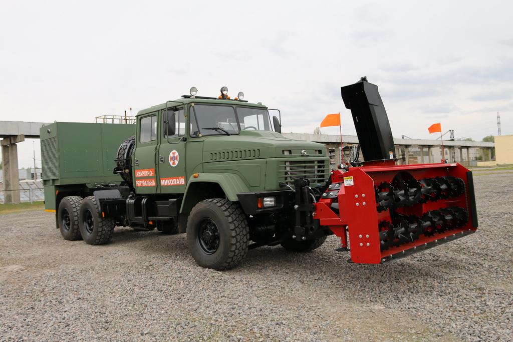 Супер-грузовик КрАЗ для спасателей
