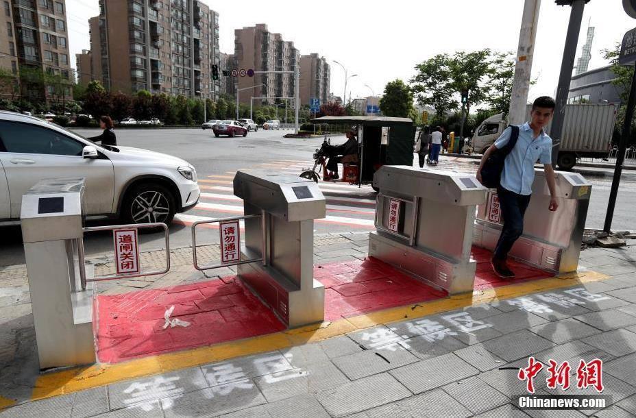 Турникеты не дадут пешеходам игнарировать светофоры
