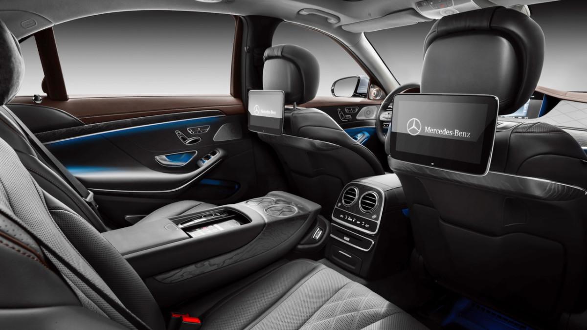 Mercedes-Benz S-Class 2018: первые фото обновленного флагмана Мерседес